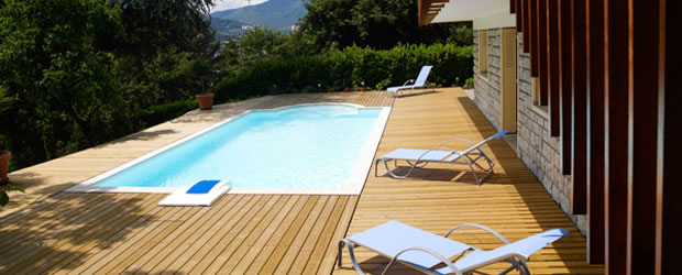 Accessoires piscine desjoyaux for Accessoire piscine nimes